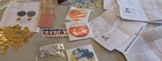 Vercelli: furti e falsi permessi di soggiorno, fermate 2 bande