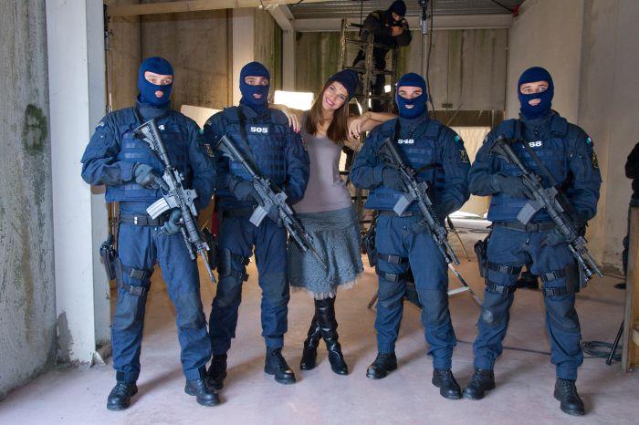 Calendario della Polizia di Stato 2012: il backstage di settembre ...