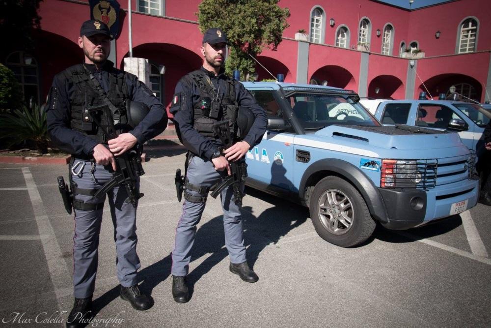 165 anniversario della polizia la cerimonia svolta a napoli for Polizia di stato napoli permesso di soggiorno