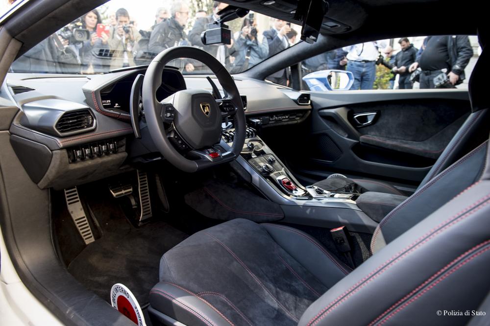 La Consegna Della Nuova Lamborghini Huracan Con La Livrea